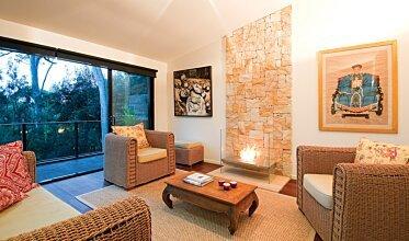 Igloo Modern Fireplace - In-Situ Image by EcoSmart Fire