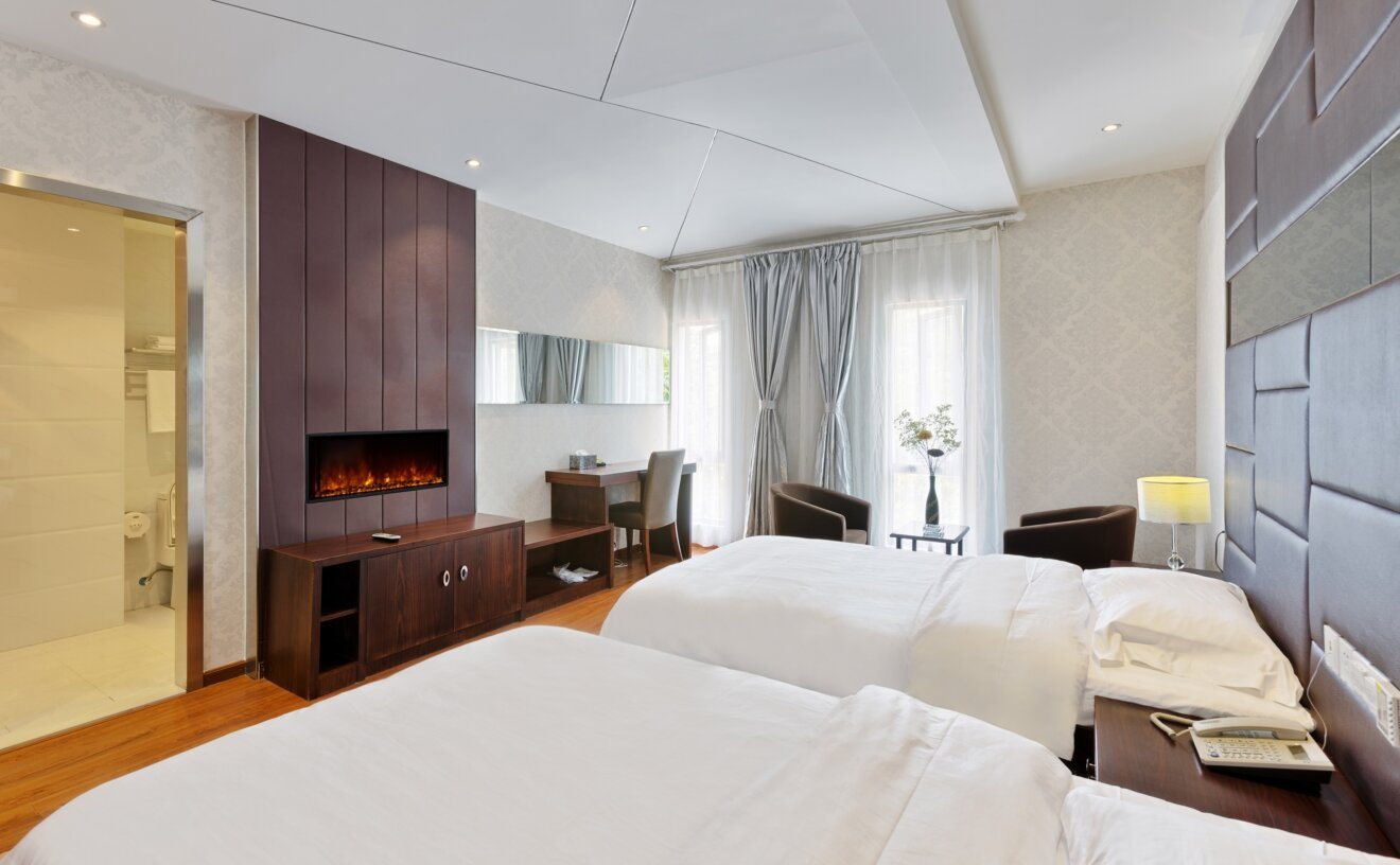 el-40-electric-fireplace-insert-electric-fireplace-hotel.jpg
