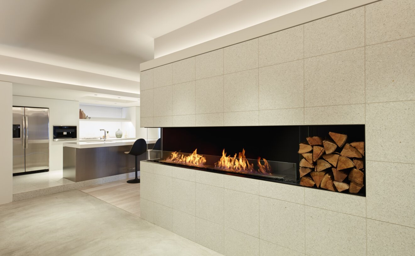 Flex 104LC Flex Fireplace - Studio Image by EcoSmart Fire